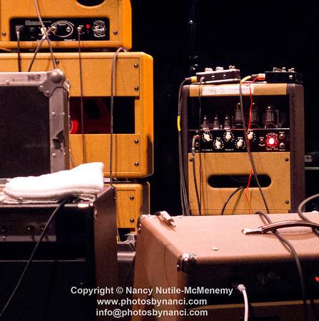 Steve Earle and The Dukes John Hiatt and The Combo South Shore Music Circus Cohasset MA August 16, 2012 Copyright ©2012 Nancy Nutile-McMenemy www.photosbynanci.com