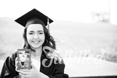 Johnee Cap and Gown Session (10)
