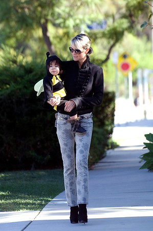 Halloween with Laeticia Hallyday and childss.