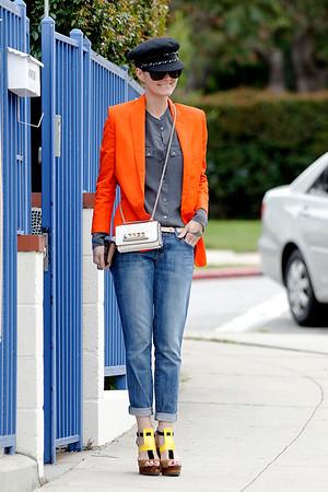 Laeticia Hallyday come back to Los Angeles.