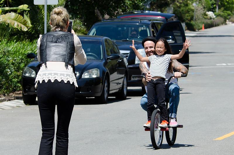 Hallyday's family spotted on skateboard.