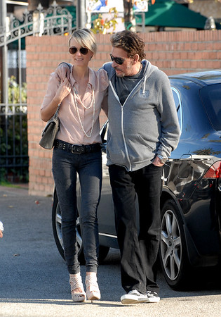 Johnny Hallyday et Laeticia se relaxent.