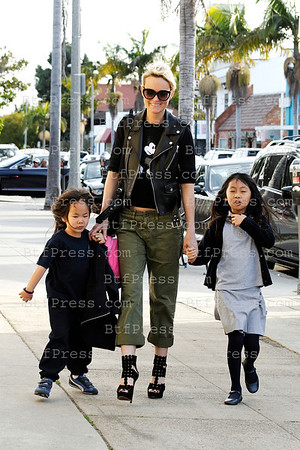 Johnny Hallyday, Laeticia, Jade and Joy after the school enjoy the time together with a ride in Bentley convertible in Pacific Palisades, California