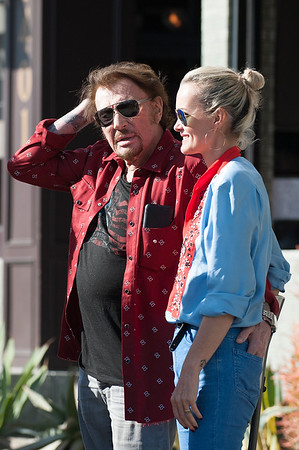 Johnny Hallyday, Laeticia with a positive attitude