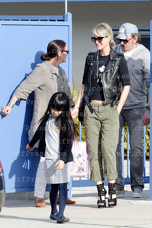 EXCLUSIVE____ Johnny Hallyday, Laeticia, Jade and Joy at the school and later enjoy a time together with a ride in Bentley convertible in Pacific Palisades, California