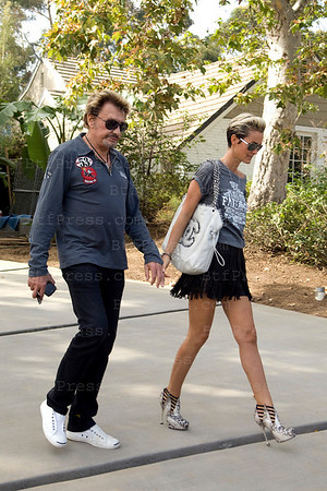 Johnny Hallyday and Laeticia prepare their moving.