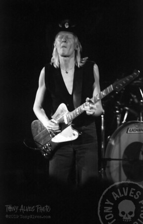 Johnny-Winter-1984-BW_13