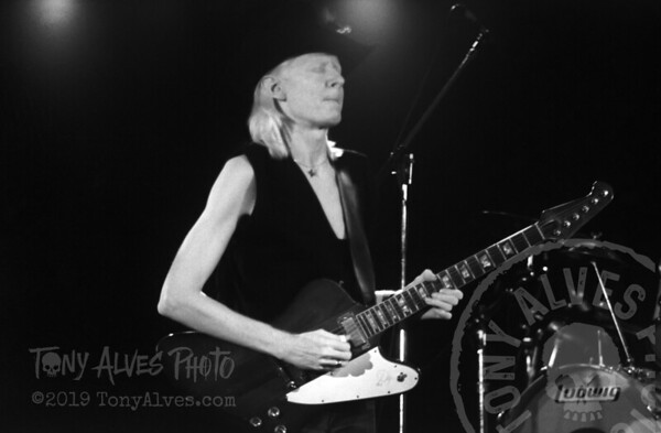 Johnny-Winter-1984-BW_05