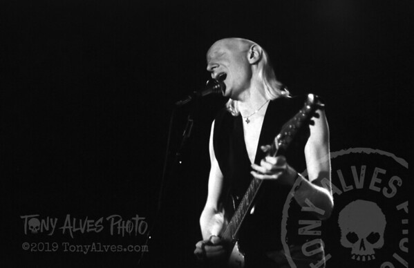 Johnny-Winter-1984-BW_15