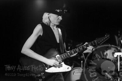 Johnny-Winter-1984-BW_10