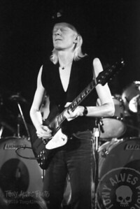 Johnny-Winter-1984-BW_19