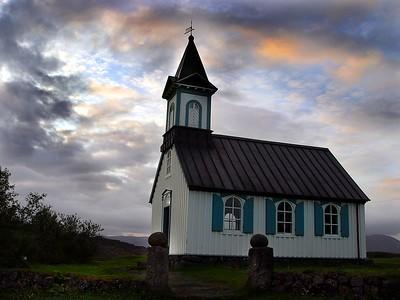 Kirkjan á Þingvöllum sumarið 2003. Tekin í dagsferð sem við Hjölli fórum í.