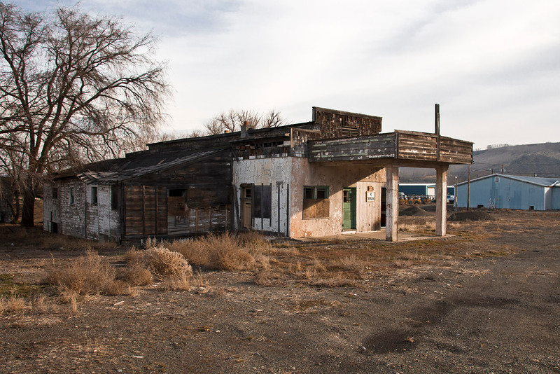 Old Gas Station at Thrall