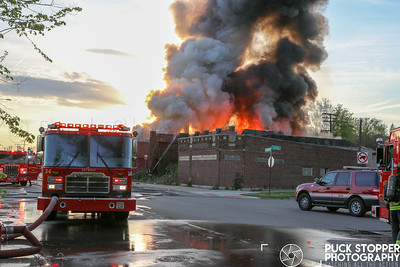 Detroit FD Working a  Vacant Commercial Building Going Throughout. May 15, 2019.