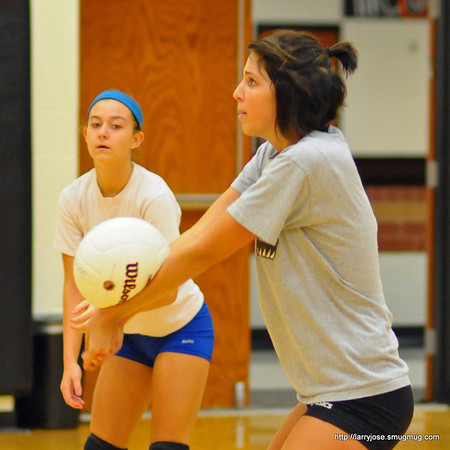 Jonesville Early Volleyball Practice