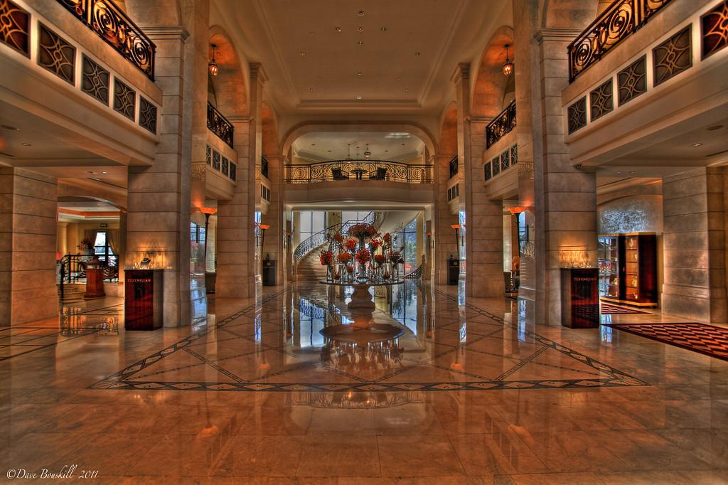 Four-Seasons-Amman-Jordan-lobby