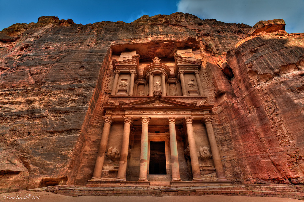 petra-treasury-jordan-day