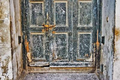1427la_puerta