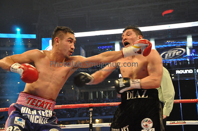 "David Diaz (134 lbs) Chicago, Il (35-2-1, 17KOs) Trunks: Black, 33, 5'6"", 70"" [Corner: Jim Strickland, Mike Garcia, Sam Colonna, Ernie Davis] vs Humberto Soto (134 1/4 lbs) Los Mochis, MEX (50-7-2, 32 KOs) Trunks: Purple & Pink, 29, 5'7"", 73"", [Corner: Romulo Quirate, Jr., Antonio Lozada, Roman Cruz, Miguel Soto] Cowboys Staduim, Arlington, Texas March 13, 2010"