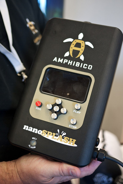 Amphibico nanoSPLASH housing for NanoFlash