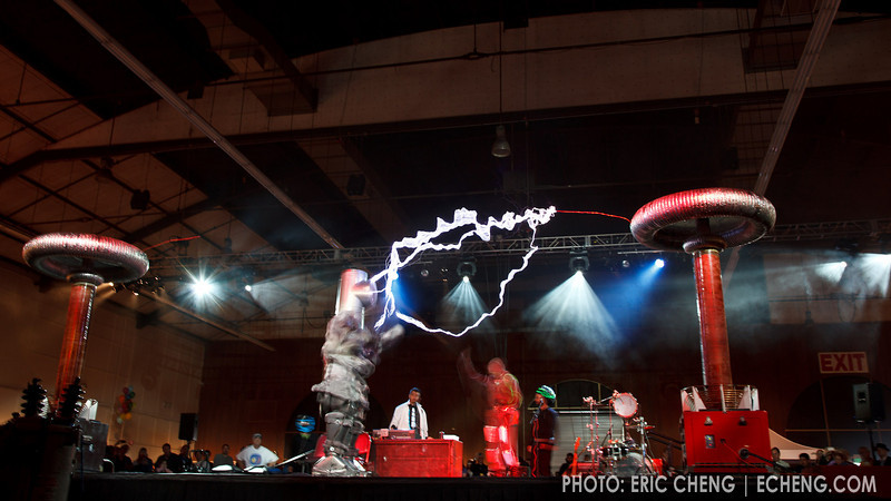 Tesla coil boxing