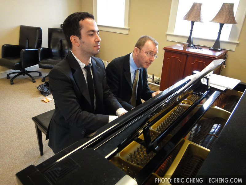 Inon Barnatan and Pedja Muzijevic warm up in the green room