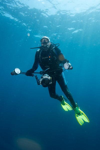 Steve Drogin underwater. December 19, 2004.  Photo: Eric Cheng