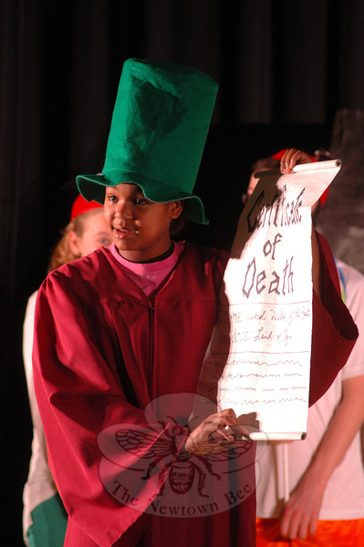 A dress rehearsal for the Newtown Middle School upcoming production of The Wizard of Oz was held on Tuesday, March 12. (Hallabeck photo)