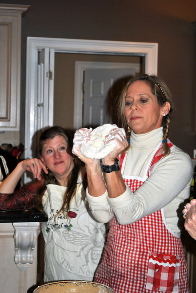 Beth Howard demonstrates the simple way to form pie dough into a circular disc. Be fearless, forget about perfection, work with what you have, and relax, says Ms Howard, for the best pie — or life — outcome. (Crevier photo)