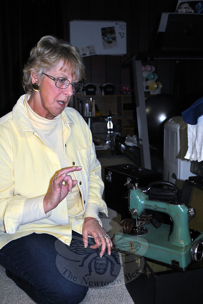 Terry Qubick discusses the history of the Sewhandy sewing machine from the 1930s, the precursor to the Singer Featherweight. Because General Electric manufactured the motors for the Sewhandy in Bridgeport, the machine eventually ended up with the GE name on it. (Crevier photo)