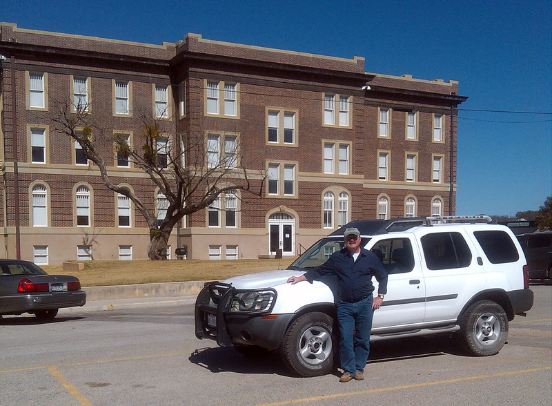 DOUG'S NEW RIDE<br /> This is the Nissan Xterra that Joe bought Lyn to get us around in in Alpine, and I've just signed the paperwork to make it mine. Even though she loved the little car, it just didn't suit Lyn all that much in the ride department. It suits me just fine!