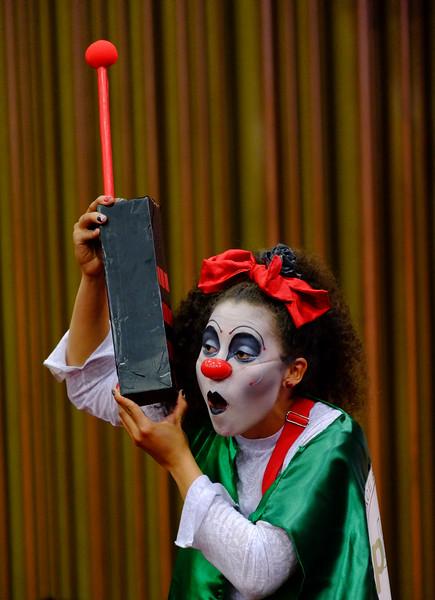 Durante un performance los clowns, con mucha gracia, interpretaron algunas anécdotas de lo cotidiano del acompañamiento internacional.