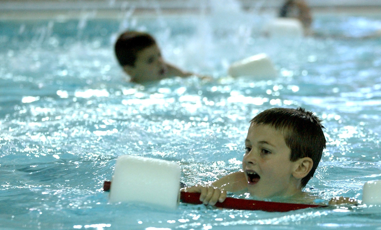 Denny Schwind((cq)), 6, learns to swim at the Fitton Family YMCA((cq)) Wednesday, 06/28/06. Staff photo by E.L. Hubbard