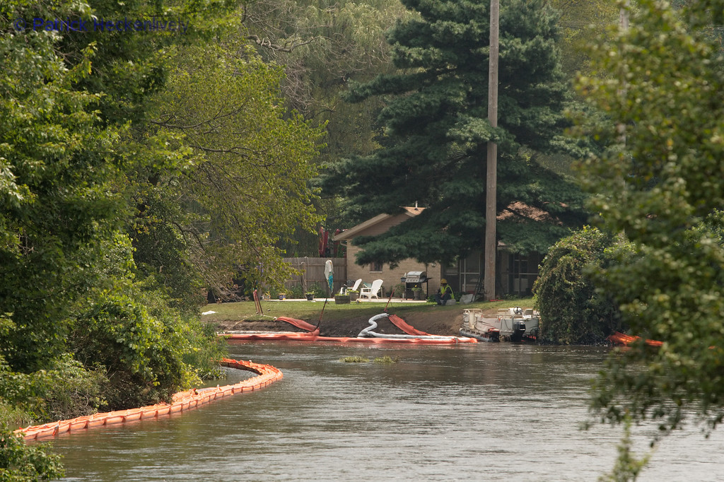 It looks like they have another skimming operation going upstream.  I feel sorry for whomever owns that house.