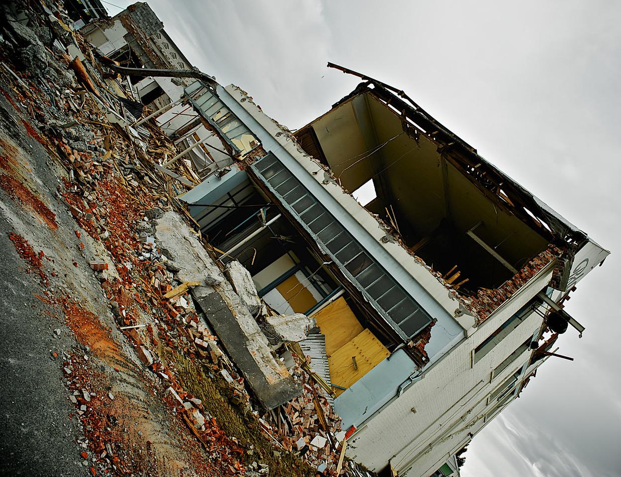 Shattered<br /> Blackwells_2011-03-01_17-20-26_DSC_9283_©RichardLaing(2011)