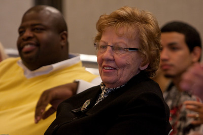(1) Slug #: W 24464; (2) Ridgewood, NJ; (3) 10/03/09; (4) Ridgewood Community Access Network Presents Access Ridgewood on 10/3/2009; (5) State Assemblywoman and candidate for Lieutenant Governor Loretta Weinberg at the Communiate Access Network's presentation of Access Ridgewood on 10/3/2009; (6) W.H. GRAE for the Ridgewood News.