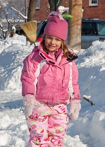 (1) Pslip Slug #: (Pending); (2) Ridgewood, NJ; (3) 01/12/2011; (4) Ridgewood Responds to Another Snow Storm; (5) ; (6) W.H. Grae for the Ridgewood News. Another Storm in RW 015