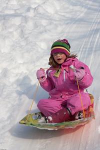 (1) Pslip Slug #: (Pending); (2) Ridgewood, NJ; (3) 01/12/2011; (4) Ridgewood Responds to Another Snow Storm; (5) Katherine takes a turn on 1/12/2011; (6) W.H. Grae for the Ridgewood News. Another Storm in RW 088
