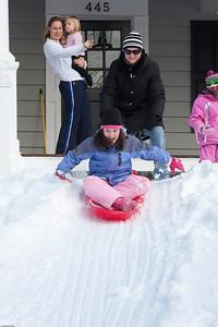 (1) Pslip Slug #: (Pending); (2) Ridgewood, NJ; (3) 01/12/2011; (4) Ridgewood Responds to Another Snow Storm; (5) ; (6) W.H. Grae for the Ridgewood News. Another Storm in RW 068