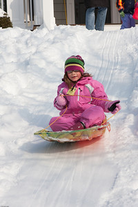 (1) Pslip Slug #: (Pending); (2) Ridgewood, NJ; (3) 01/12/2011; (4) Ridgewood Responds to Another Snow Storm; (5) ; (6) W.H. Grae for the Ridgewood News. Another Storm in RW 087