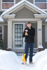 (1) Pslip Slug #: (Pending); (2) Ridgewood, NJ; (3) 01/12/2011; (4) Ridgewood Responds to Another Snow Storm; (5) ; (6) W.H. Grae for the Ridgewood News. Another Storm in RW 100