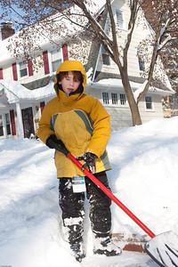(1) Pslip Slug #: (Pending); (2) Ridgewood, NJ; (3) 01/12/2011; (4) Ridgewood Responds to Another Snow Storm; (5) ; (6) W.H. Grae for the Ridgewood News. Another Storm in RW 032