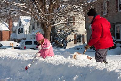 (1) Pslip Slug #: (Pending); (2) Ridgewood, NJ; (3) 01/12/2011; (4) Ridgewood Responds to Another Snow Storm; (5) ; (6) W.H. Grae for the Ridgewood News. Another Storm in RW 007