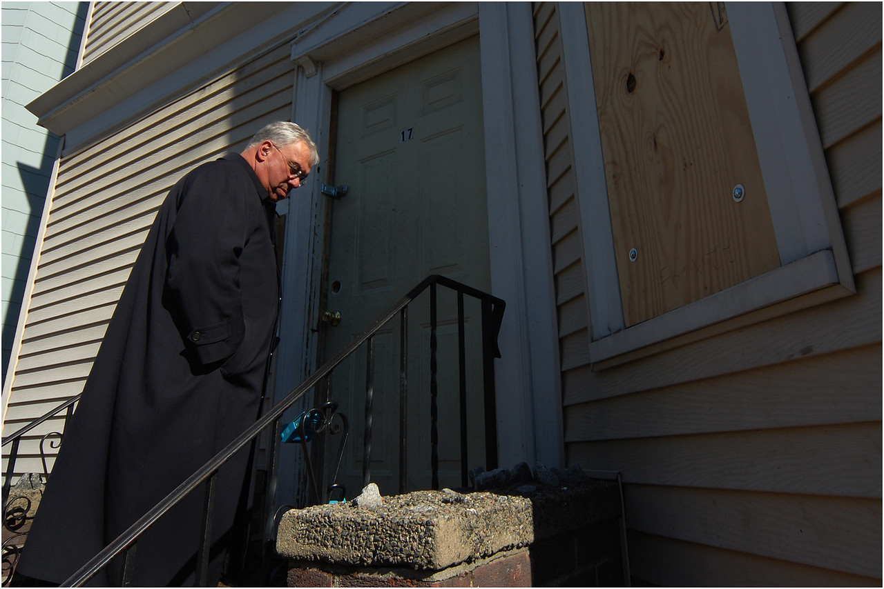 Visiting an abandoned house on Hendry Street in Dorchester in 2008, after the neighborhood was hit with a rash of foreclosures.
