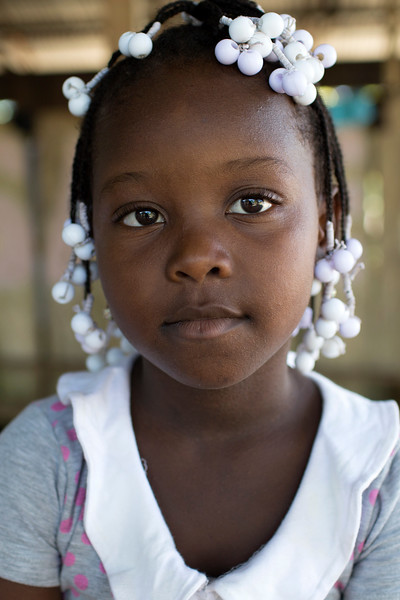 Lloraron porque sus hijos se enfermaron en esta travesía y lloraron aún más cuando algunos murieron por culpa de la crisis humanitaria y las enfermedades producidas por el hacinamiento en el que tuvieron que vivir durante el desplazamiento.