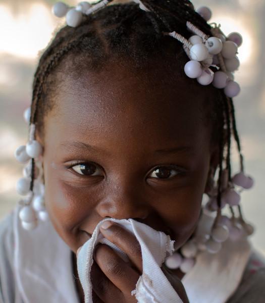 Y las hijas crecerán y heredarán el carácter fuerte de sus madres para seguir luchando por su territorio.