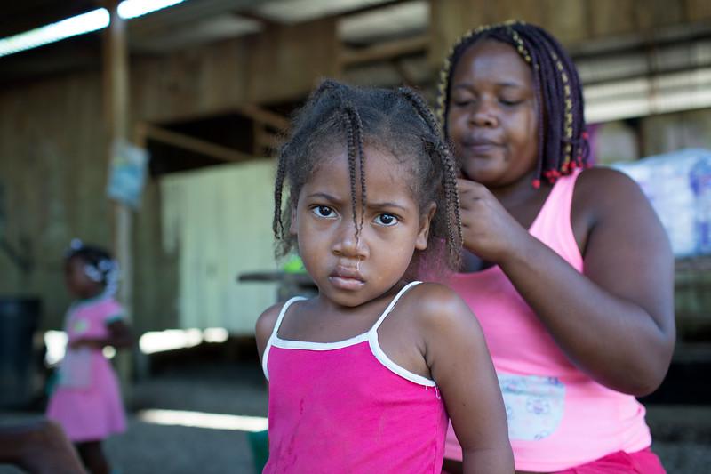 Educaron a sus hijas e hijos y trataron de vivir felices, asumiendo los problemas cotidianos como los de cualquier otra mujer, en cualquier otro lugar del mundo.
