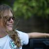 """""""Mujer, déjate querer"""", suplica una voz llorona en la radio mientras viajamos en una camioneta 4x4 por la trocha  monte arriba hacia la cordillera oriental de Colombia."""