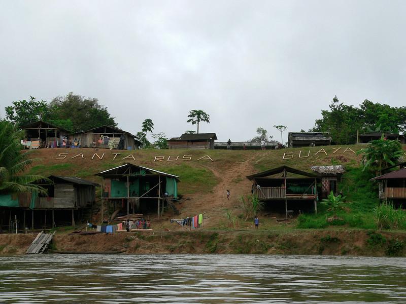La comunidad indígena del pueblo Nonam vive en el Resguardo Santa Rosa de Guayacán, ubicado en la orilla del río San Juan, en la región del Bajo Calima, Valle de Cauca. Su subsistencia, basada en su tradición y cultura, consiste principalmente en la pesca, el cultivo y la artesanía.