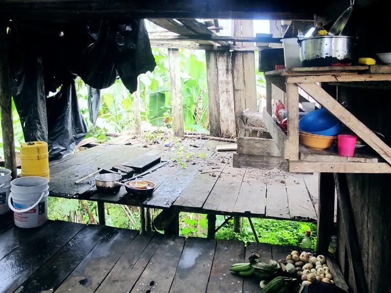 El 4 de agosto de 2010 una incursión paramilitar desplazó a las 21 familias de la comunidad Nonam de su territorio hasta el casco urbano de Buenaventura. En el albergue de Buenaventura también sufrieron amenazas y hostigamientos por parte de paramilitares.